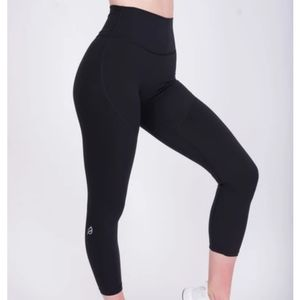 P'tula The Shelby Legging in Smooth Black Small